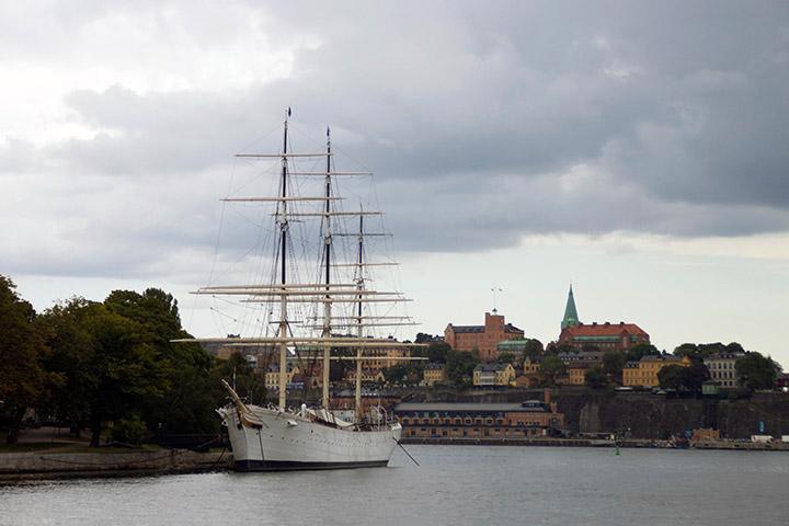 Segelschiff vor der Insel Skeppsholmen