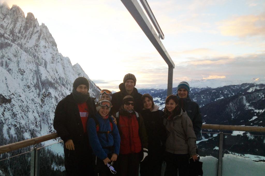 Gruppenfoto auf der Sonnenterrasse.