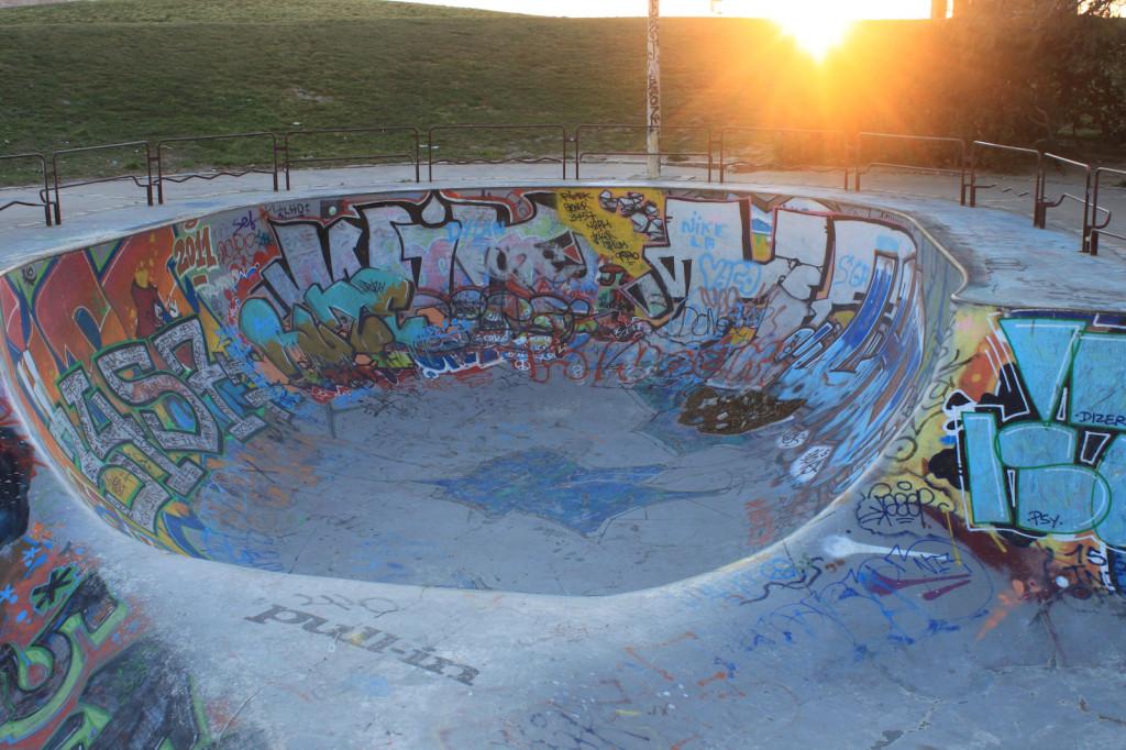 Nach stundenlanger Suche endlich gefunden: Die berühmte Skatebowl von Marseille!