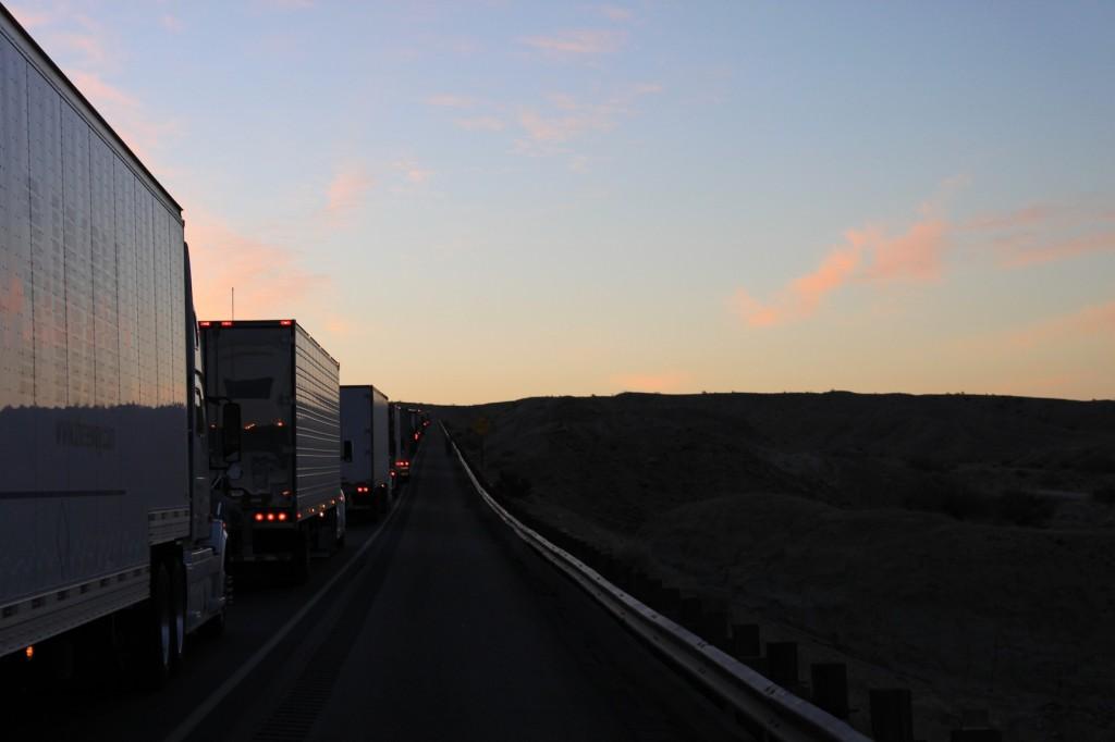 Fahrt in die Mojave Wüste in Kalifornien