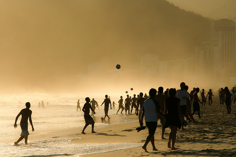 Ein Nachmittag am Ipanema Beach (photo credit: Alex Schwab via photopin cc)