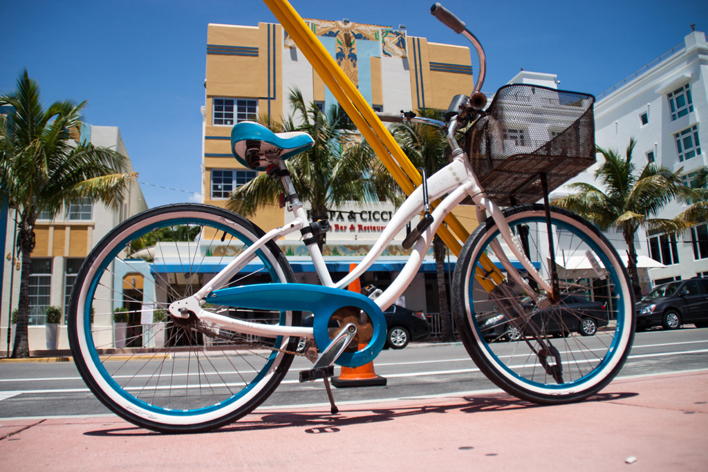 20140806_123822_0291_Miami_IMG_1367_Ocean_Drive_Bike