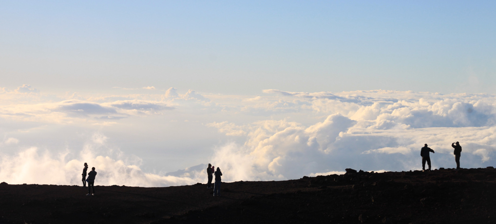 Länger weg? Wie wär's mit Hawaii, wo du wortwörtlich über den Wolken wandern kannst ...