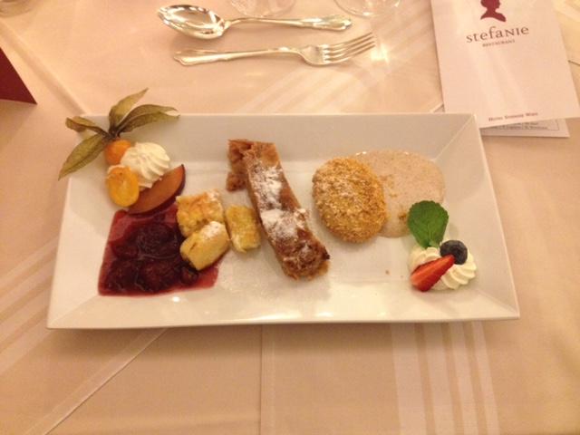 Alt-Wiener Dessert Trilogie: Kaiserschmarren, Apfelstrudel & Powidltascherl