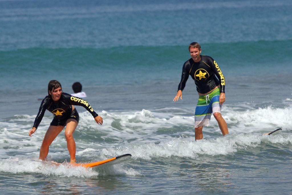 Erstes gemeinsames Surferlebnis auf Bali