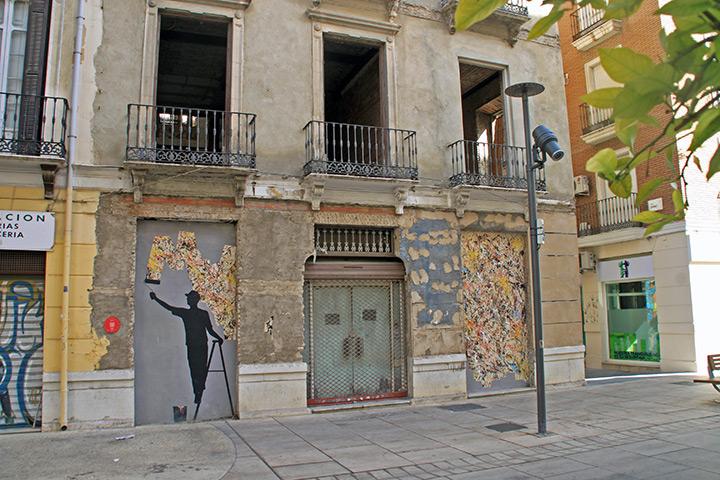 Gerade an den Wänden der leerstehenden Häuser befinden sich viele Kunstwerke auf engstem Raum, wie hier von Silvestre Santiago alias Pejac.
