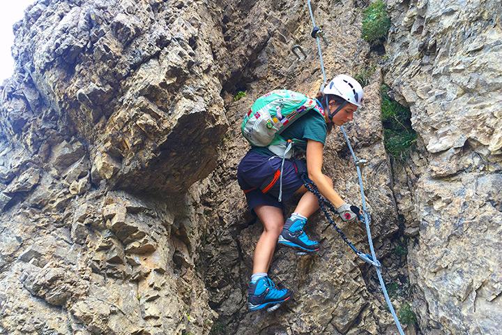 Cori auf den ersten Metern des Marokka-Klettersteigs