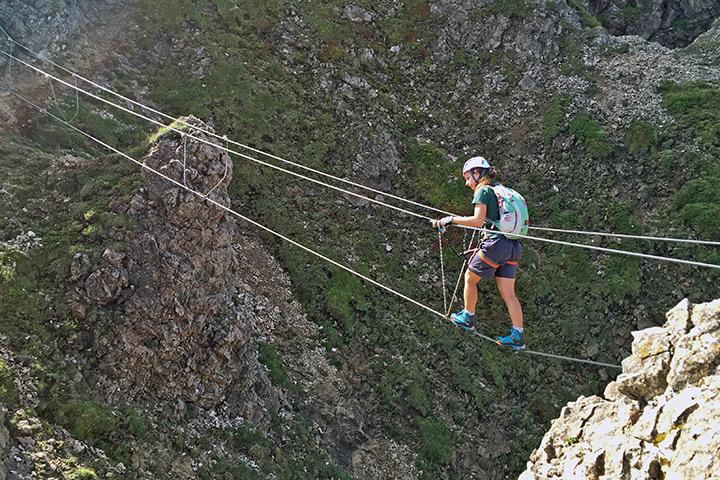 Die obligatorische Seilbrücke eines jeden modernen Klettersteigs