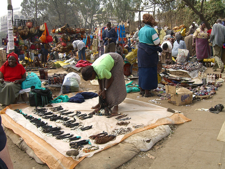photo credit: khym54 Maasai Market in Nairobi via photopin (license)