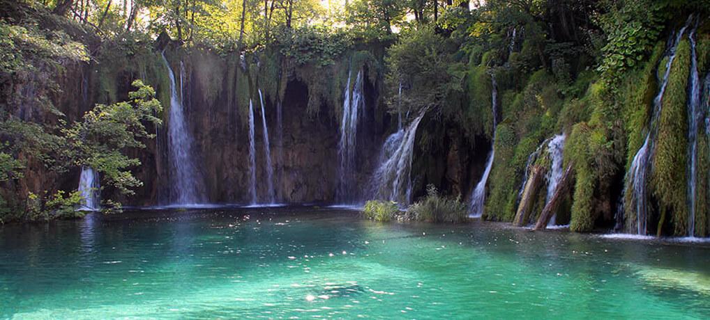Unterwegs in Kroatiens Nationalparks: Plitvicer Seen und Kletterparadies Paklencia