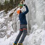 Flo beim Eisklettern in den Lienzer Dolomiten