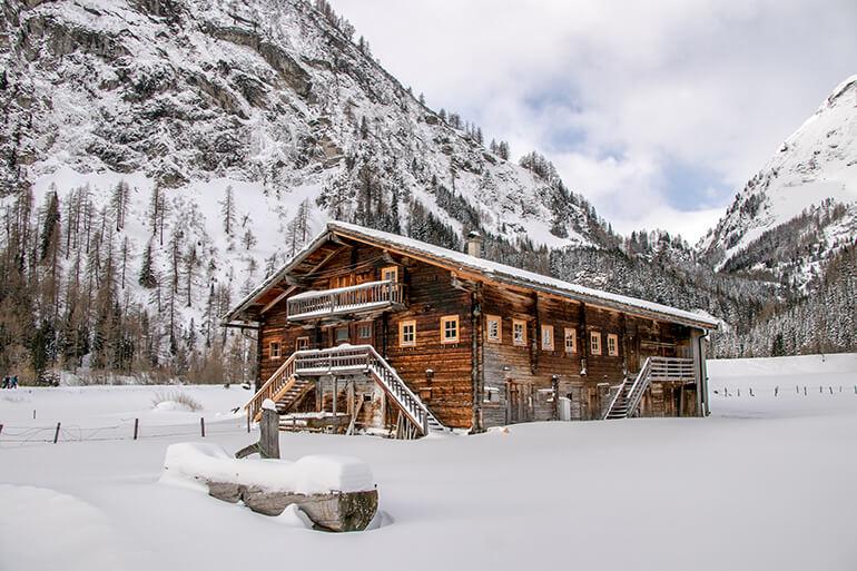 Unterwegs im frisch verschneiten Gschlösstal