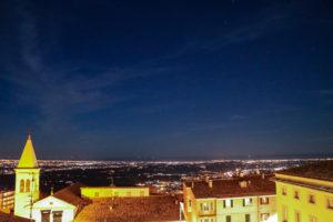 San Marino bei Nacht