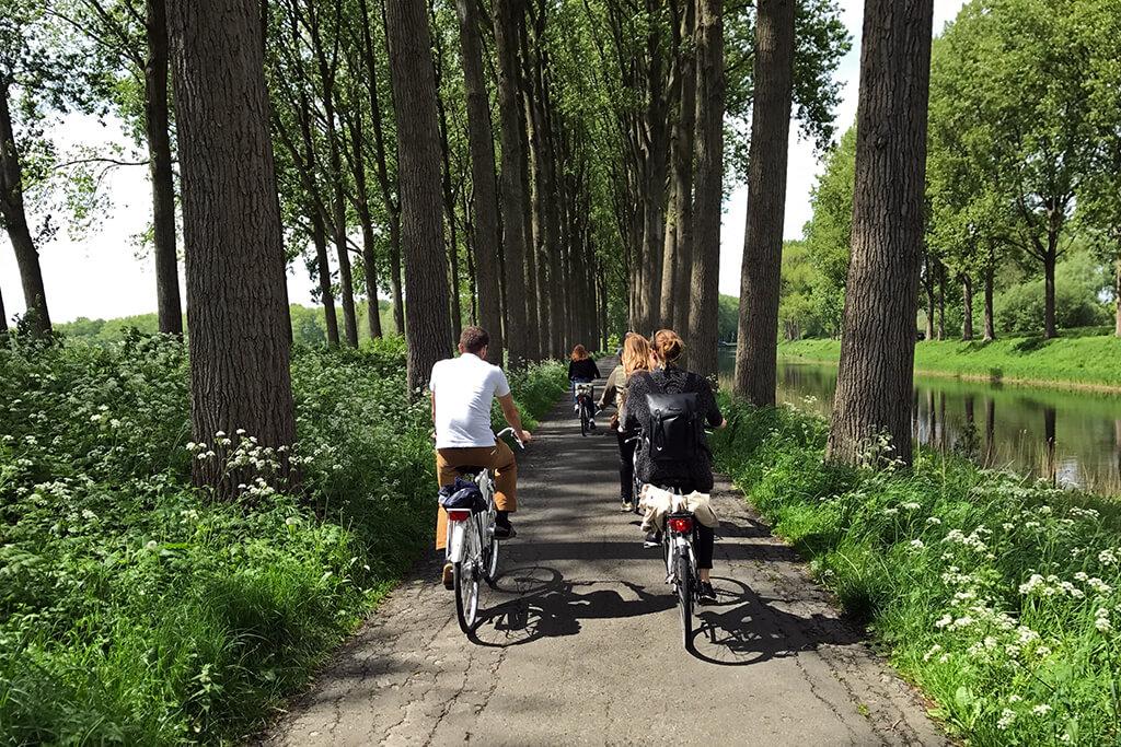 Flandern Radtour am Weg nach Brügge