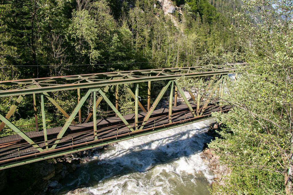 Eisenbahnbrücke im Gesäuse