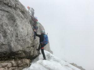 Klettersteig am Hohen Dachstein in Wolken
