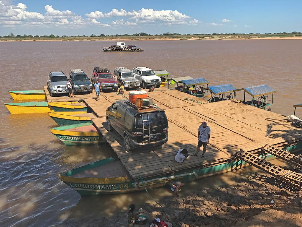 Fähre Belo sur Tsiribihina in Madagaskar