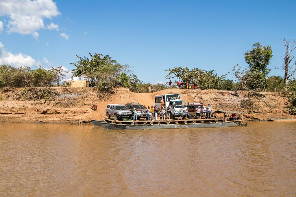 Fähre Fluss Tsiribihina