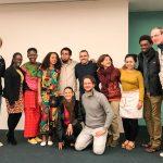 Studierende Universtiät Sophia bei einem interkulturellen Abend