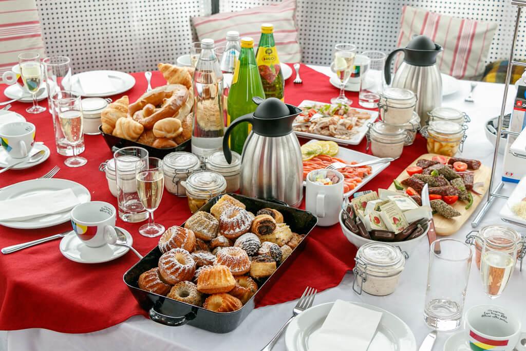 Gipfelfrühstück beim Ski-Erlebnistag in Sportgastein