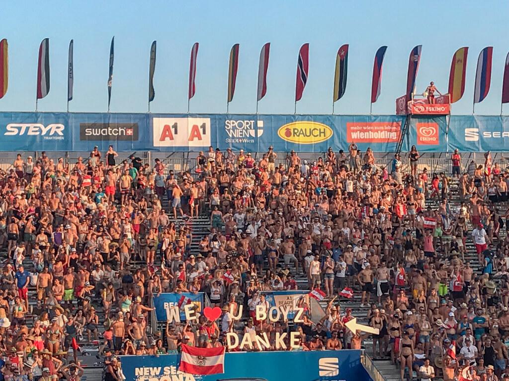 Fans Vienna Major