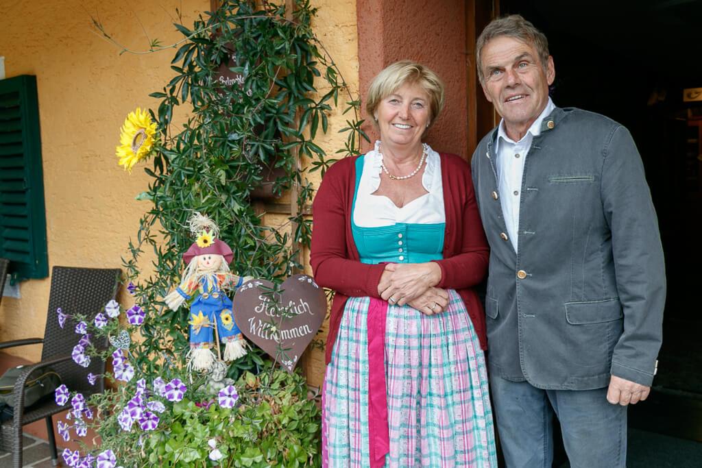 Johanna und Karl Krenn vom Dichtlhof im Salzburger Seenland