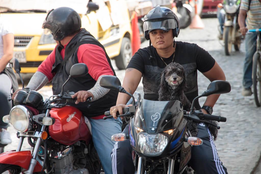 Motorradfahrer in Kolumbien