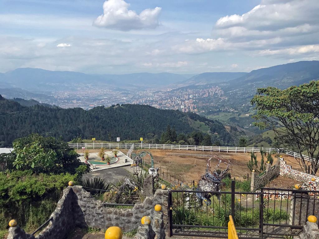Flusswanderung in Medellin von La Catedral zu Salto del Angel - Titelbild