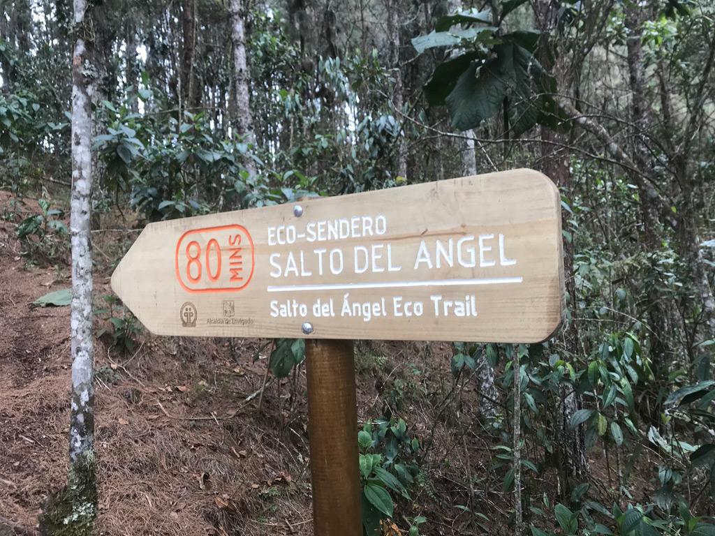 Wegweiser zum Salto del Angel Wasserfall