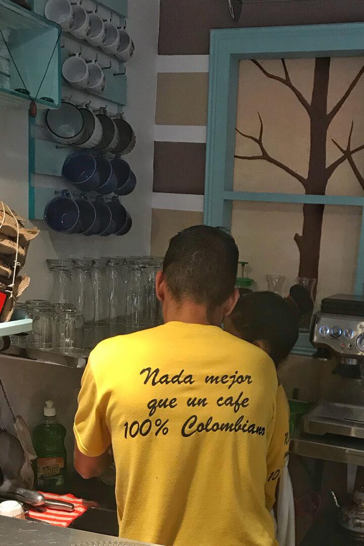 Typisch Kolumbien Eigenheiten abseits der üblichen Vorurteile - Street Art - Make Coffee Not War