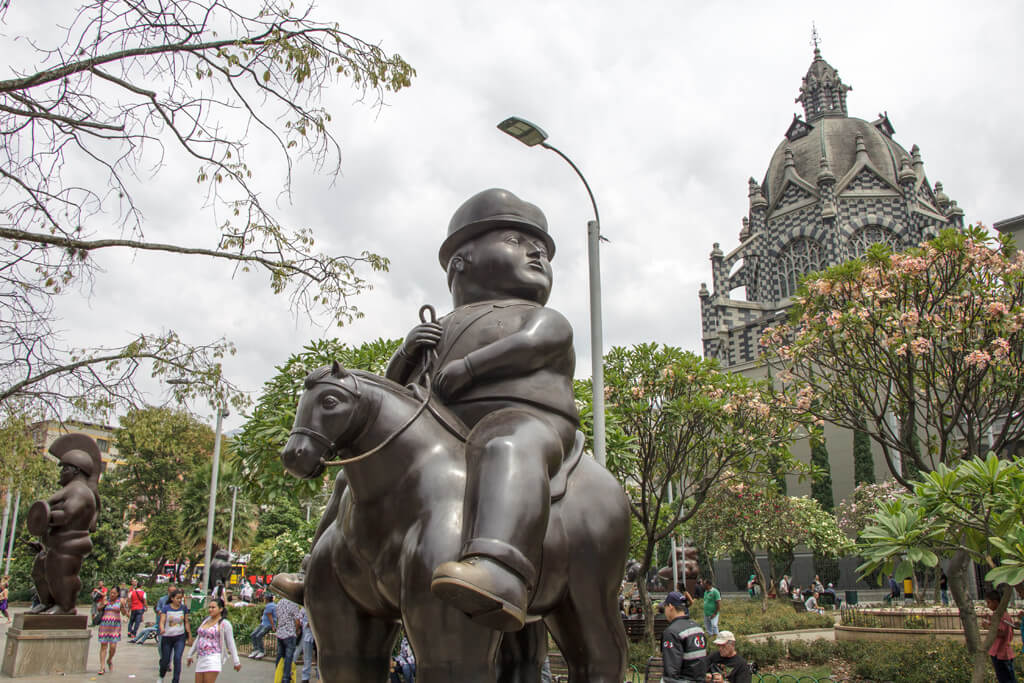 Plaza Botero mit Palacio de la Cultura Rafael Uribe Uribe