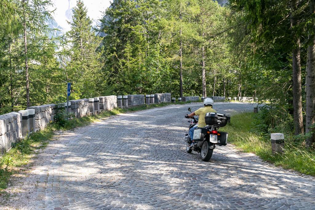 Kopfsteinpflaster am Vršič Pass