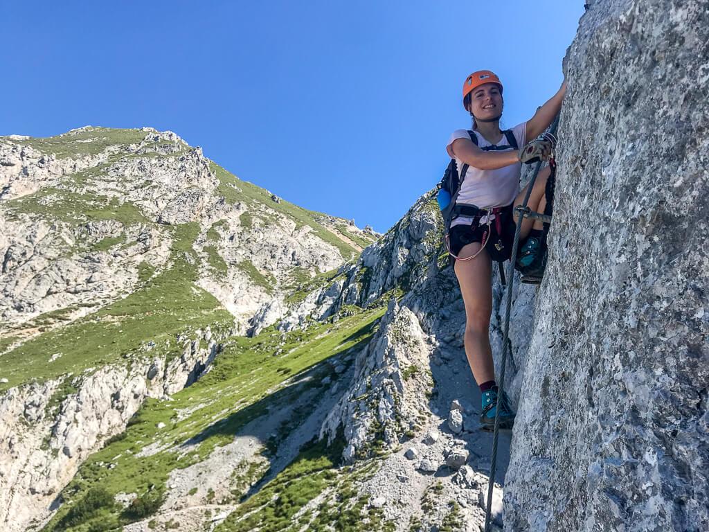Nassfeld Däumling-Klettersteig mit Gartnerkofel-Gipfel im Hintergrund