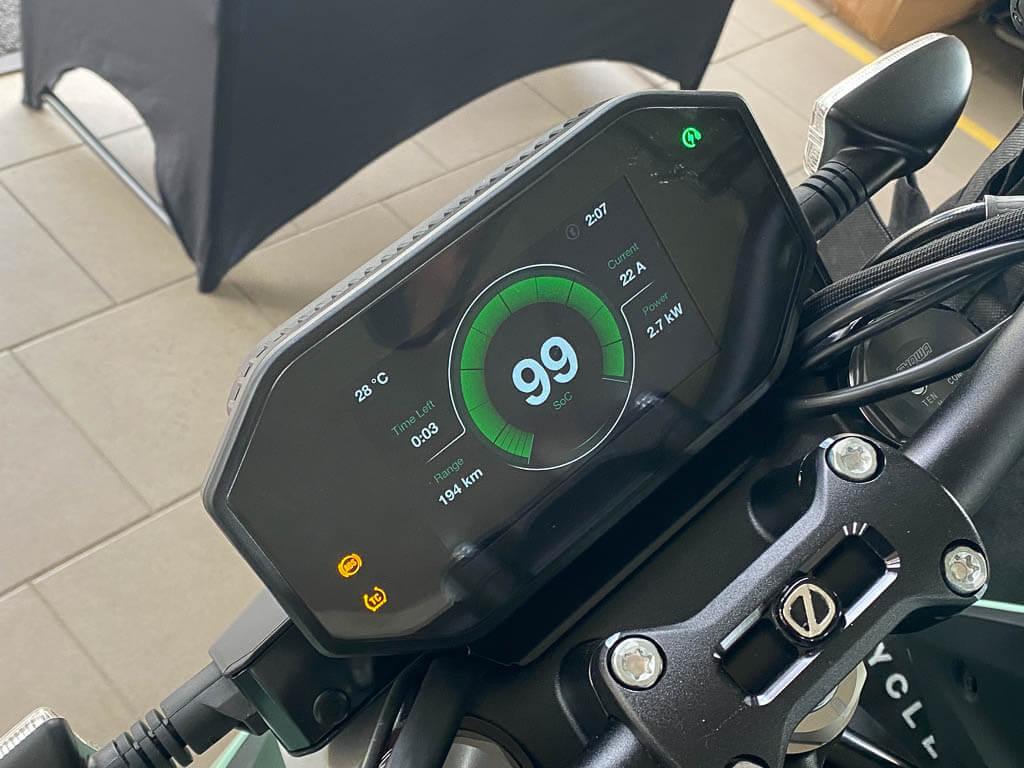 Zero E-Camp Laden der E-Motorräder
