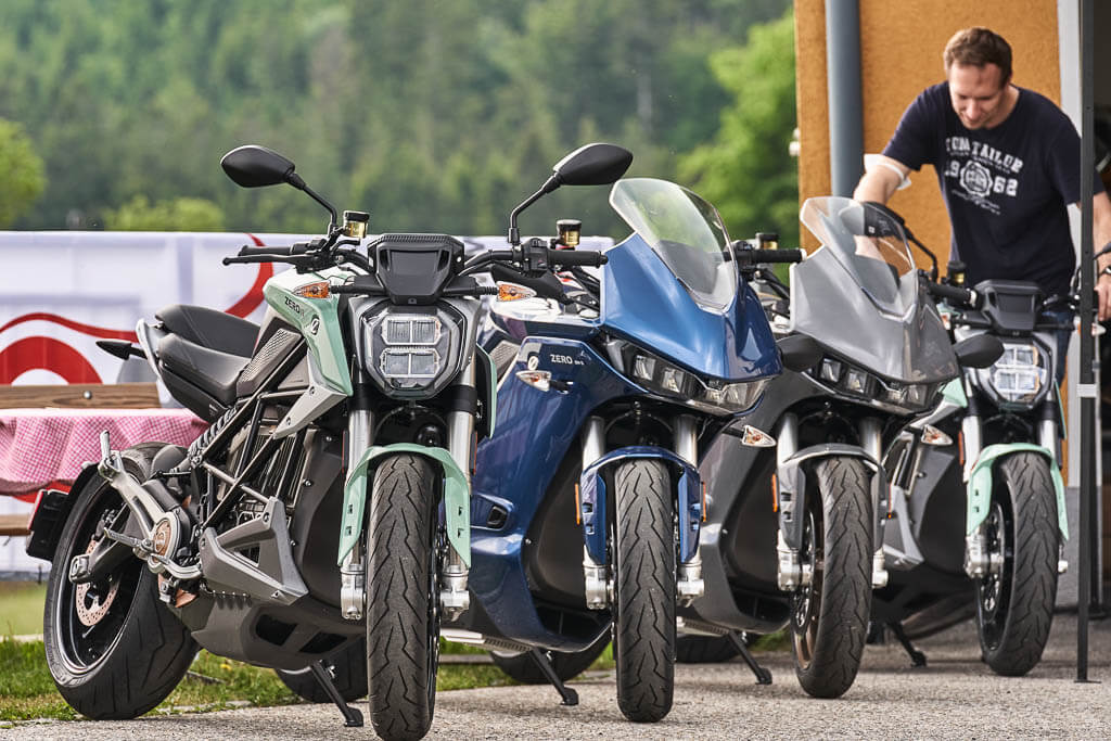 Zero Motorcycles SR/F und SR/S Modellpalette am E-Camp in Liebenau